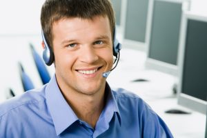 qualities of a good help desk agent